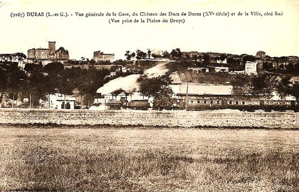 La gare le train le château