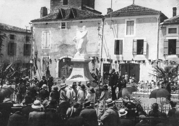 Commémoration monument aux morts