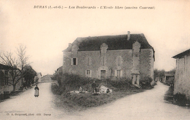 Ecole libre, Ancien couvent