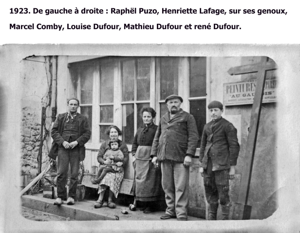 Duras13 1923 de gauche à droite Raphaël Puzo, henriette Lafage café sur ses genoux Marcel Comby, Dufour Louise, Dufour Mathieu et René Dufour copie