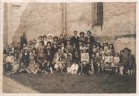 3 environ 1950