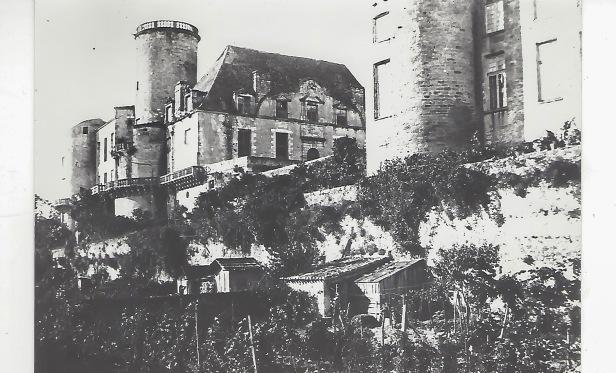 Les jardins aux pieds du château