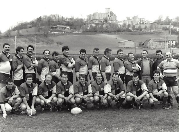 Rugby, au pied du château